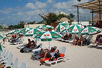 Las Uvas Beach Club